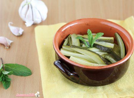 Zucchine all'agro, ricetta per antipasto freddo o contorno