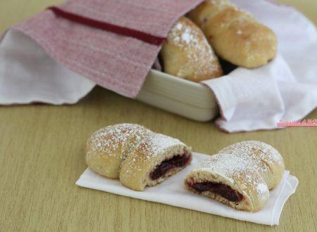 Brioche alla marmellata di ciliegie, ricetta senza burro