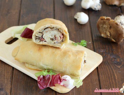 Rotolo di pane arabo con funghi e pancetta