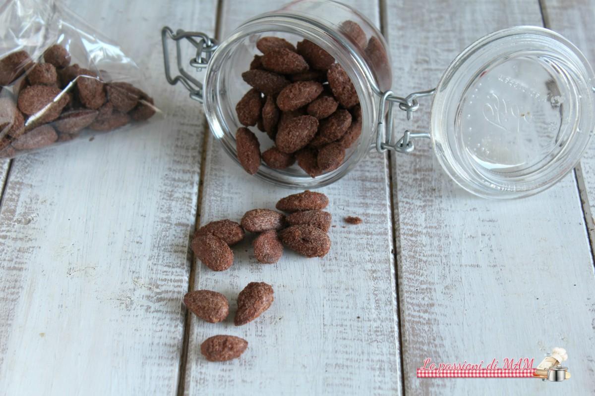 mandorle pralinate al cacao