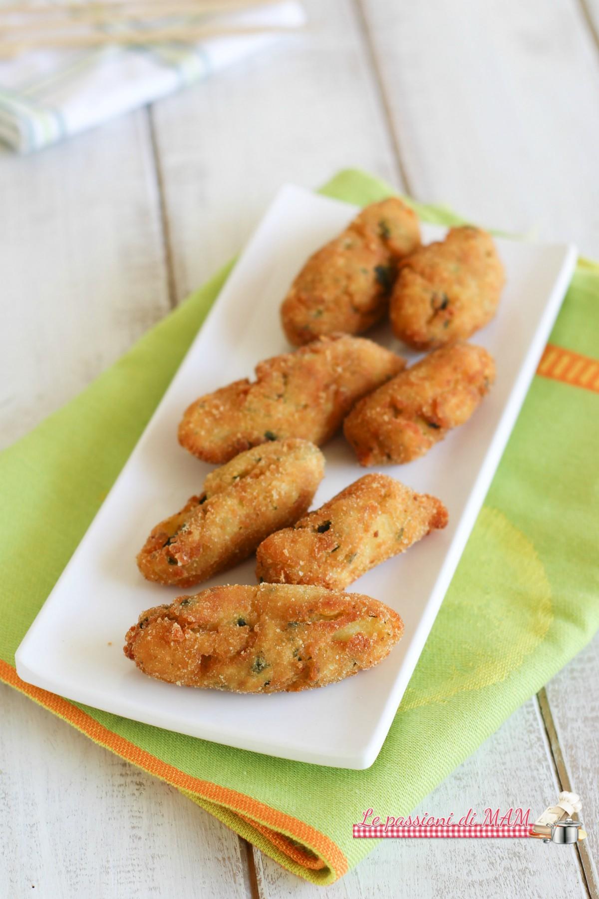 Crocchette di zucchine e patate, fritte o in forno per un finger food delizioso