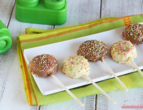 Lecca lecca di biscotti con cioccolato