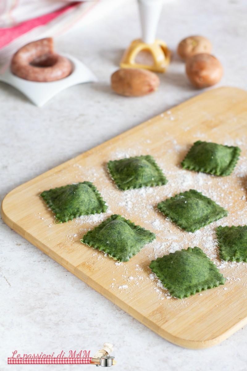 Ravioli Verdi con Salsiccia e Patate