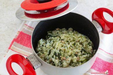 Risotto spinaci e salsiccia con Magic Cooker