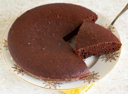 Torta al cacao all'acqua senza uova