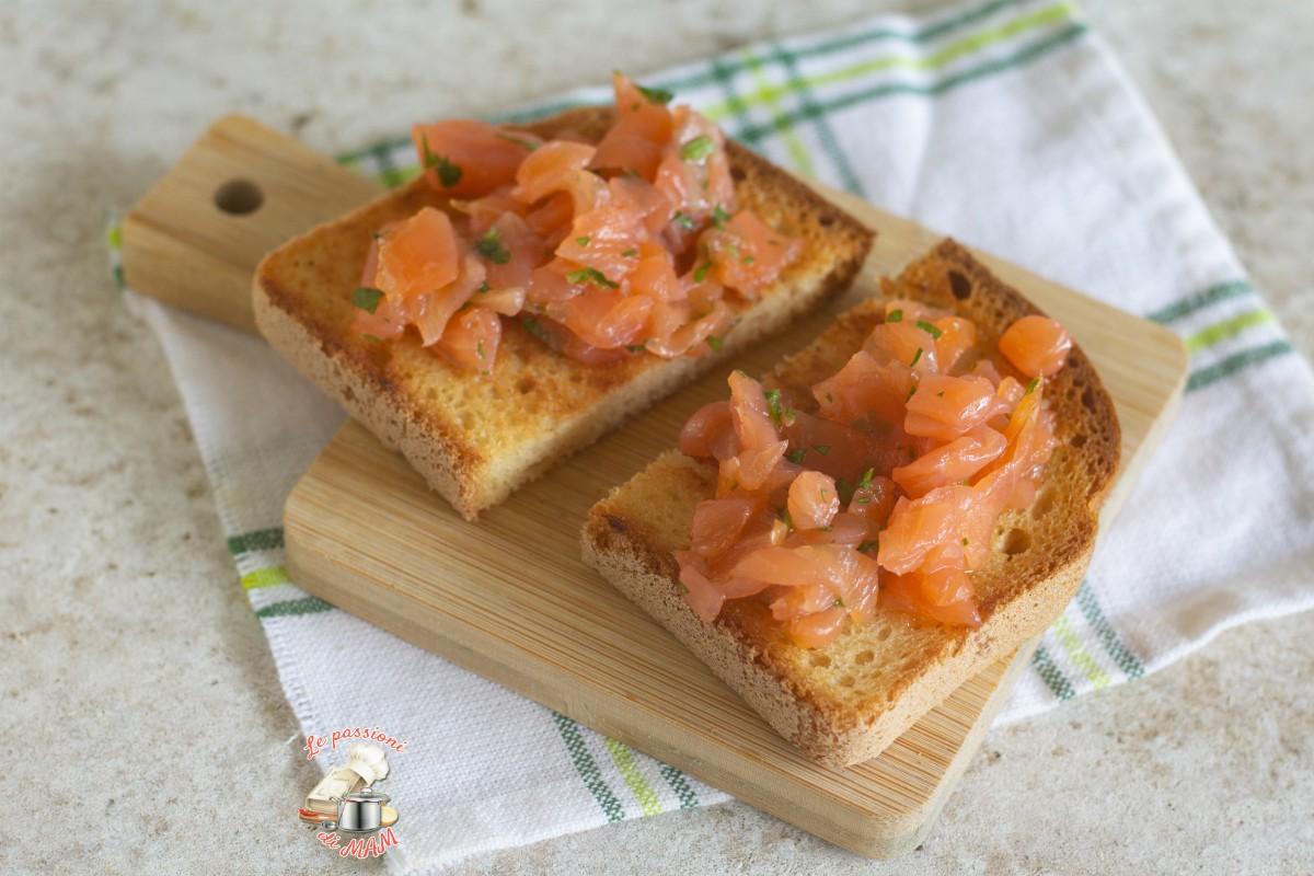 Bruschette al salmone affumicato