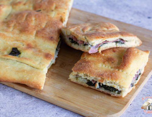 Focaccia con bietola e pancetta