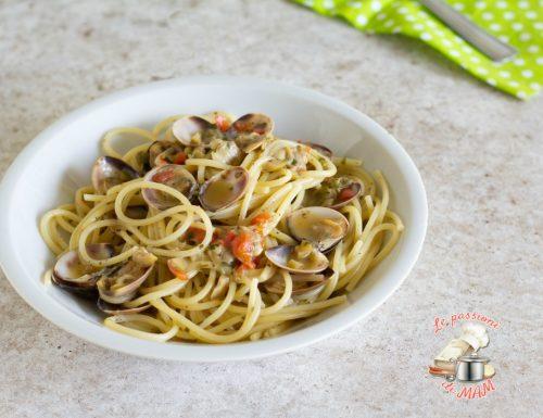 Pasta vongole olive e capperi