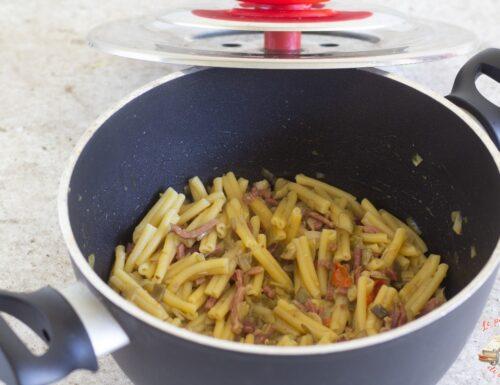 Pasta carciofi e speck con magic cooker