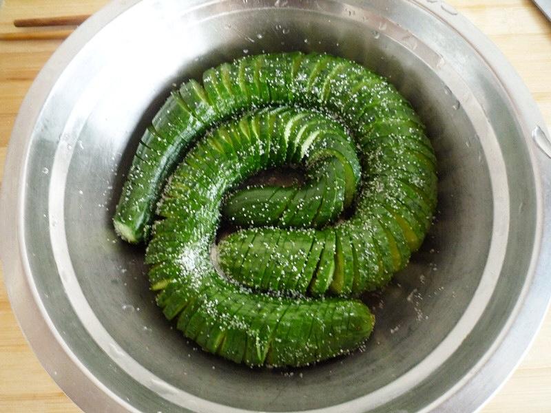 Cetrioli marinati le ricette cinesi x italiani for Cucinare cetrioli