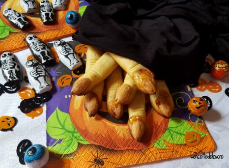 Biscotti dita di strega ricetta halloween