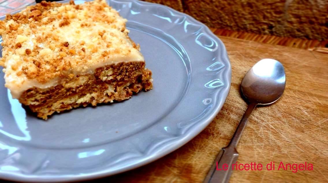 Torta mattonella di biscotti e crema pasticcera