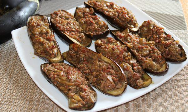Barchette di melanzane con carne tritata
