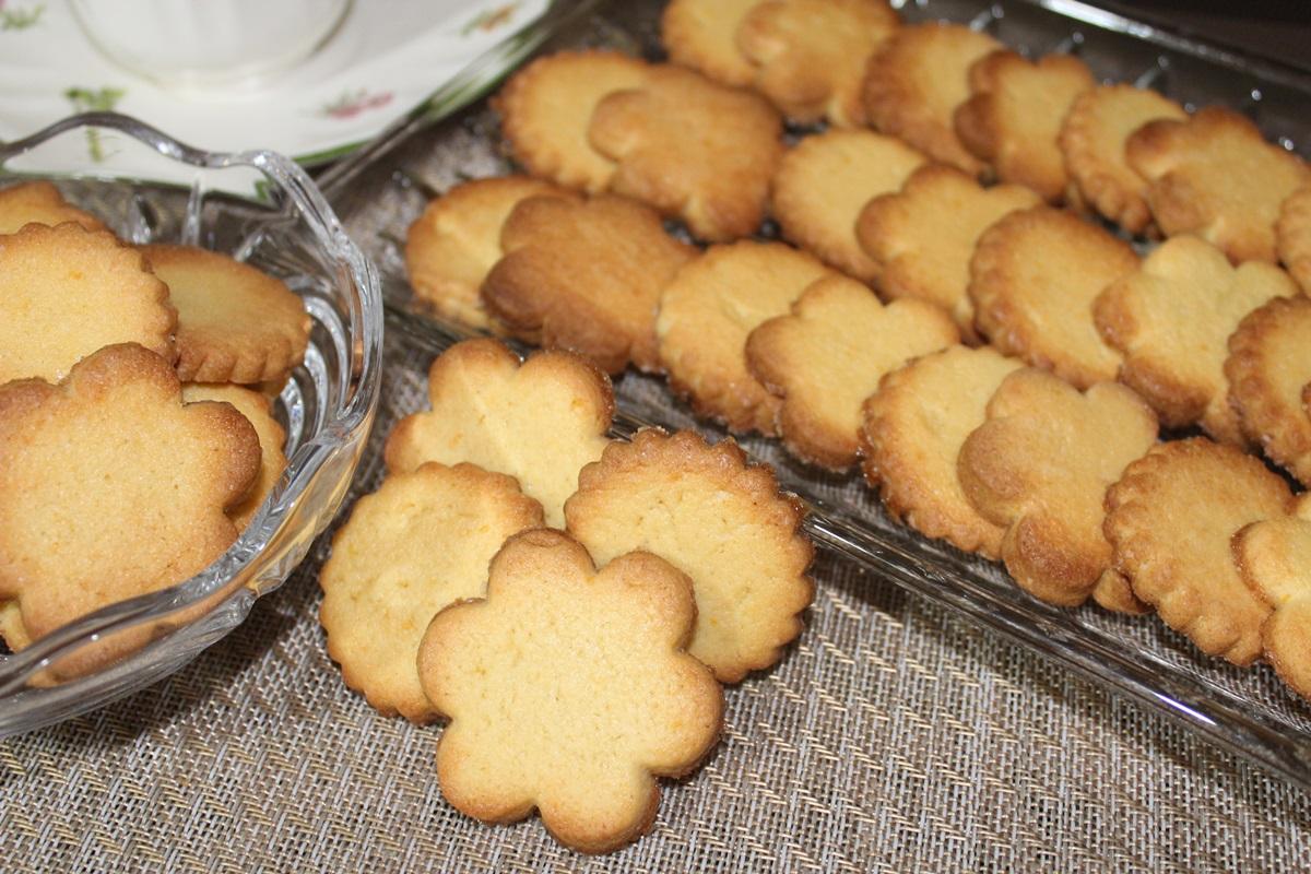 Biscotti con farina di mais al profumo d'arancia