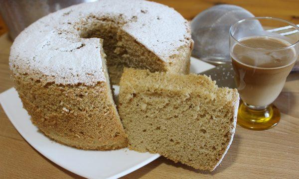 Chiffon cake al latte di mandorle e caffè