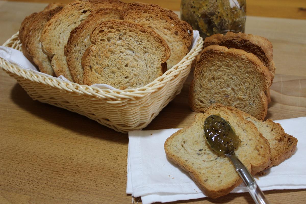 Fette biscottate con farina ai cereali e lievito madre