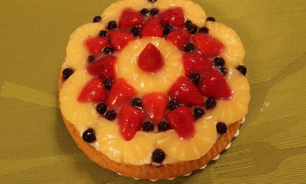 Crostata alla frutta con base morbida