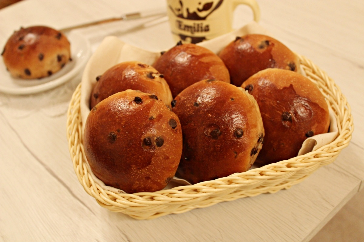 briochine alla panna con gocce di cioccolato