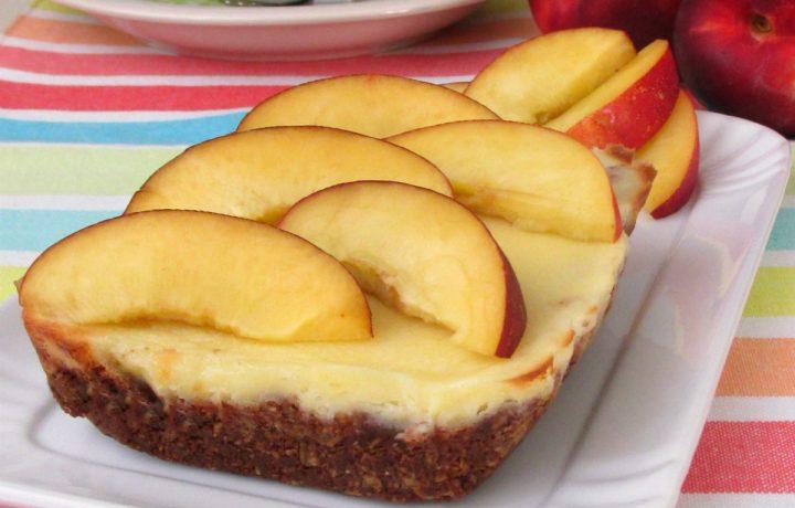 Mini cheesecake con robiola e pesche
