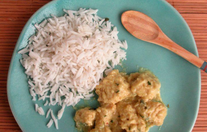 Pollo al curry con panna