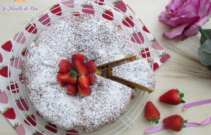 Torta con le fragole super soffice