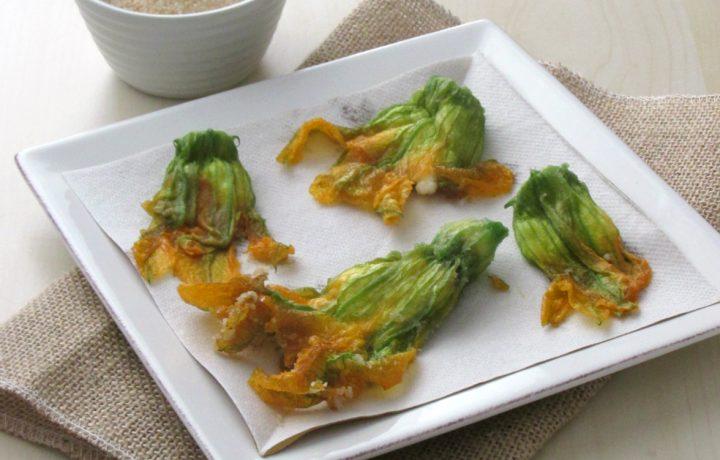 Fiori di zucca fritti con ricotta, senza pastella