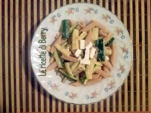 Penne con feta e zucchine