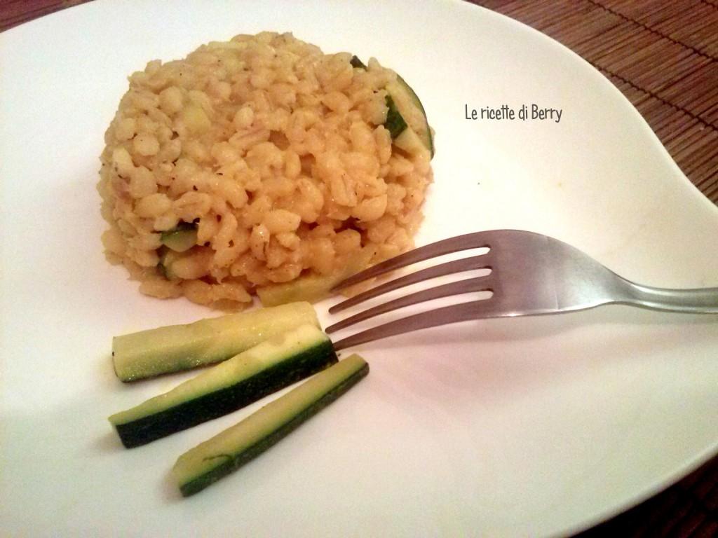 Orzo perlato e zucchine al curry