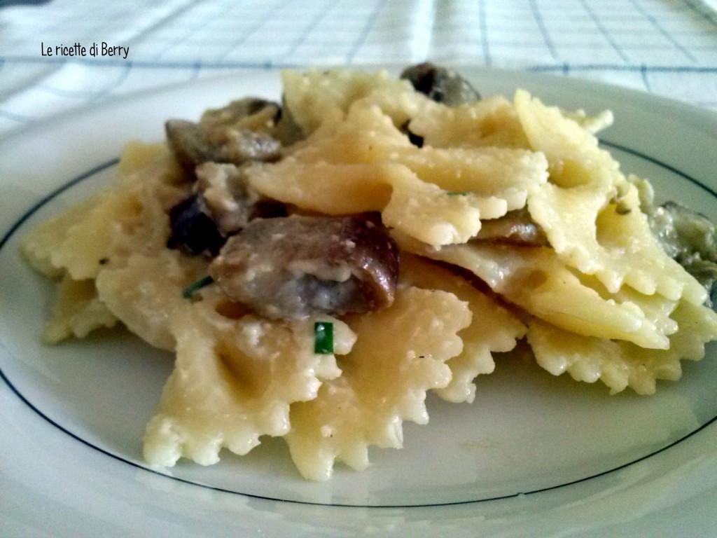 Pasta con melanzane e besciamella (2)
