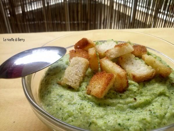 Vellutata di zucchine ricetta classica e ricetta al microonde - Forno microonde e tradizionale insieme ...
