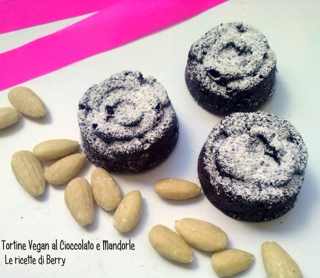 Tortine vegan al cioccolato e mandorle