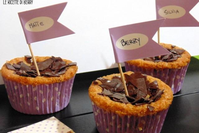 Cupcakes con gocce di cioccolato senza uova