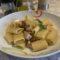 Mezze maniche al tonno fresco con pomodori secchi