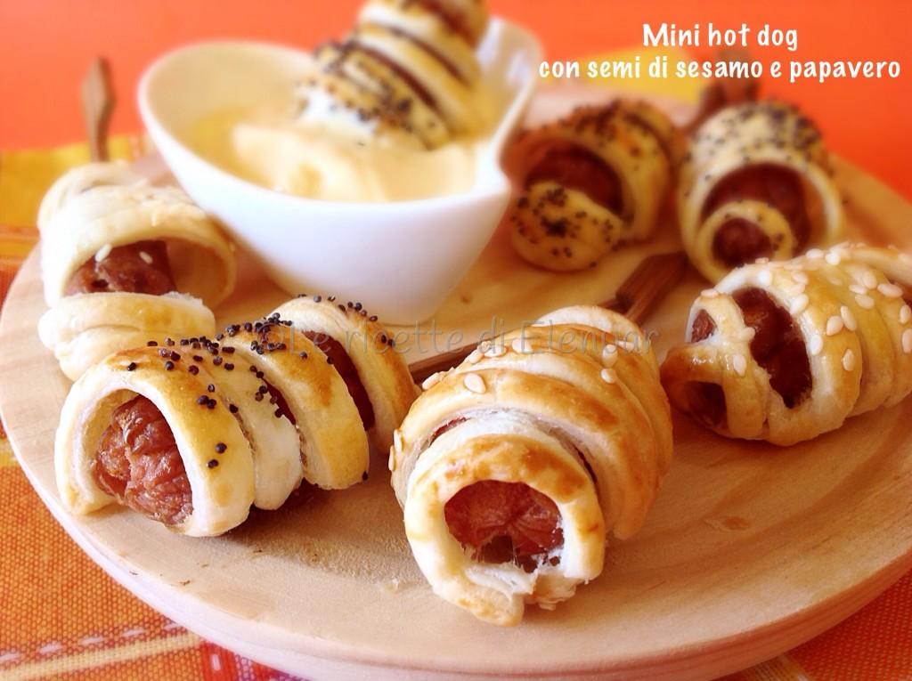 Mini hot dog con semi di sesamo e papavero for Cucinare hot dog