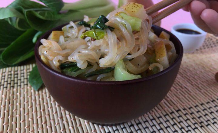 SHIRATAKI CON PAK CHOI E PERE – Ricetta senza glutine