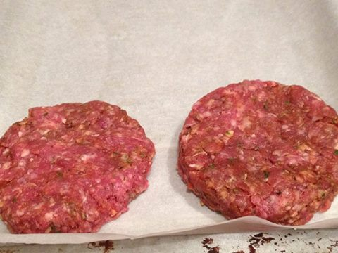 Hamburger fatto in casa cotto in forno