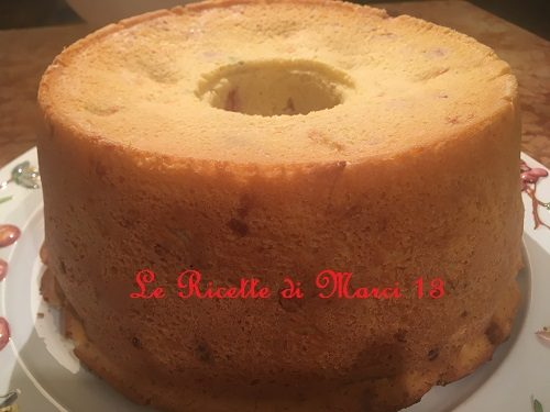 Brioche rustica napoletana con mortadella, salame e provola