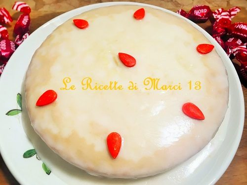 Torta soffice all'arancia con marmellata nell'impasto. Ricetta facile
