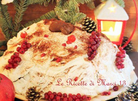 Pavlova invernale, con crema di castagne e gocce di cioccolato