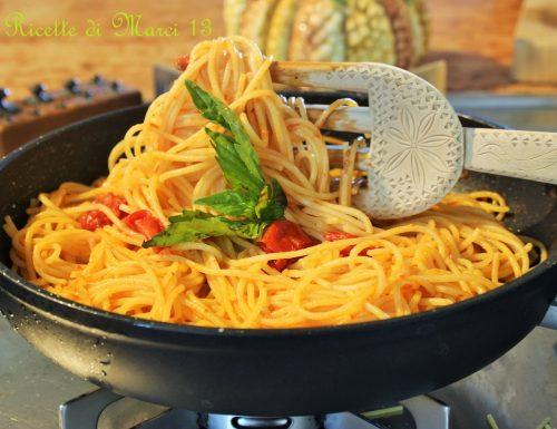 """ONE POT Spaghetti cremosi allo """"scarpariello"""""""