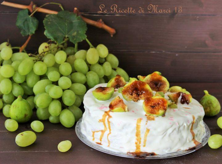 Torta con mousse al mascarpone e frutta fresca