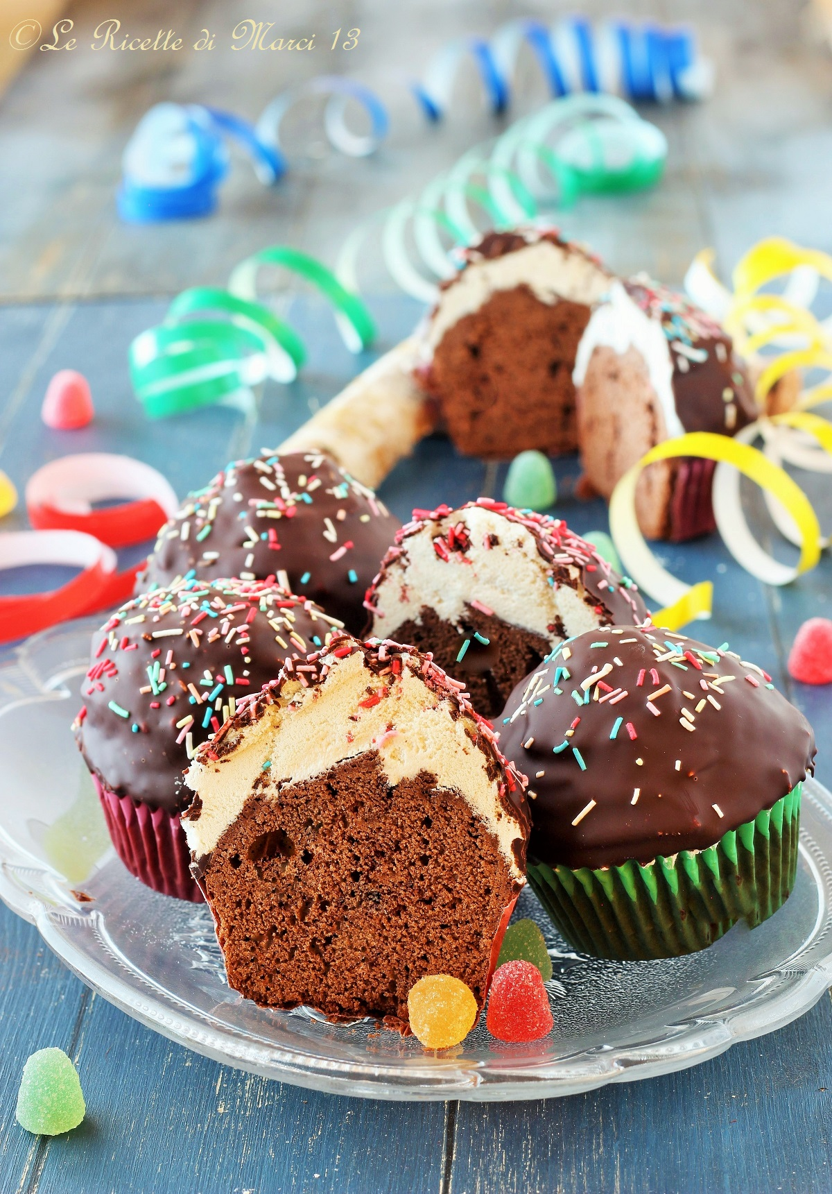 Funfetti cupcakes al cioccolato
