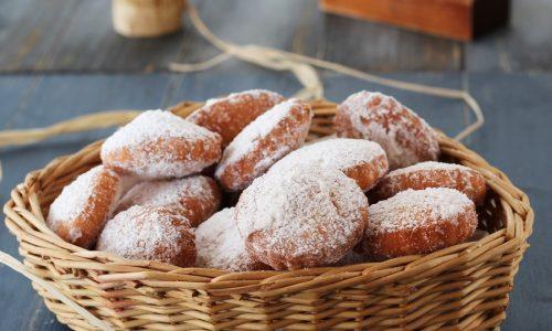 Frittelle dolci con provola affumicata. Antica ricetta napoletana