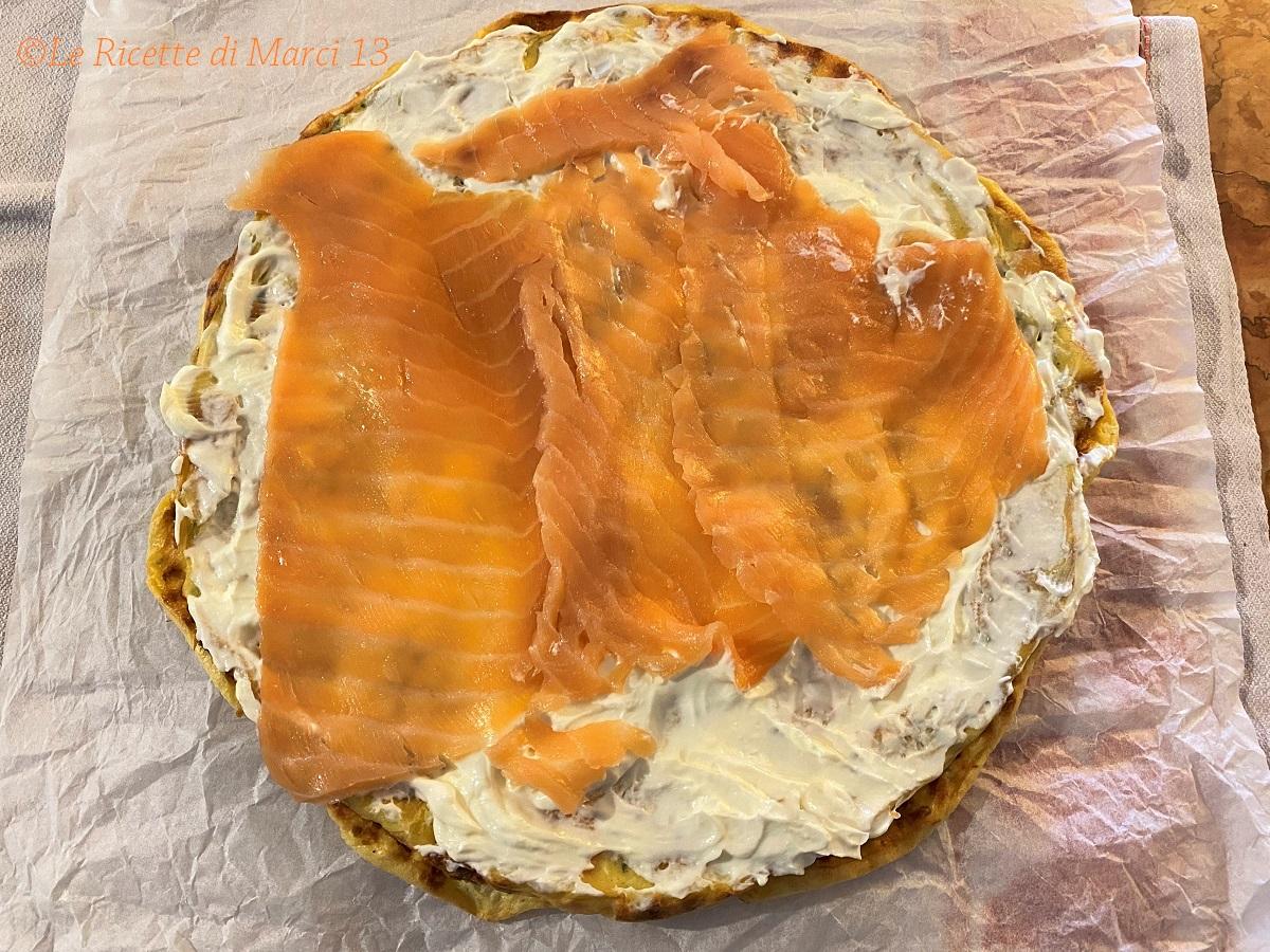 Rotolo al salmone e robiola, farcia