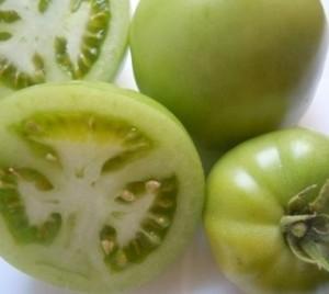 Conserva di pomodori verdi in salamoia