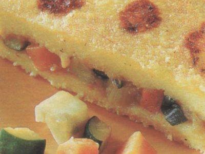 Polenta al forno farcita alle verdure