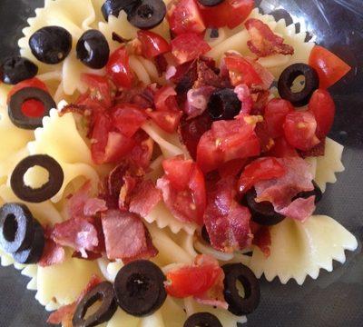 Farfalle alla pancetta e olive