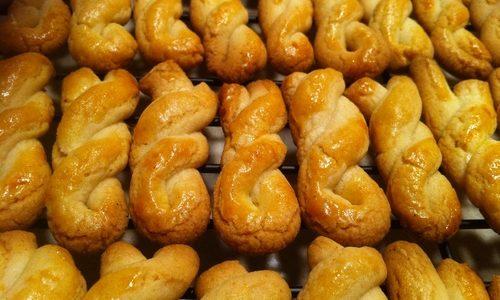 Biscotti intrecciati al miele