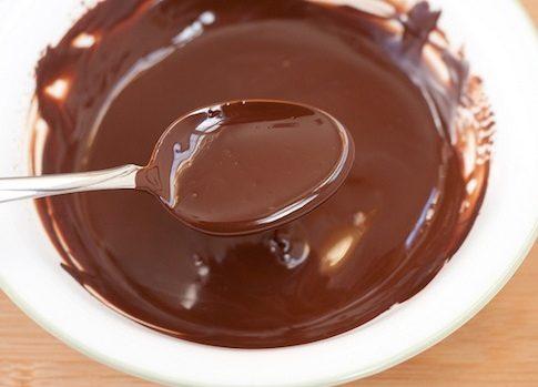 Come sciogliere il cioccolato nel microonde