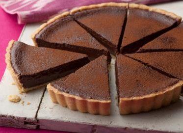 Crostata di amaretti cioccolata e mandorle